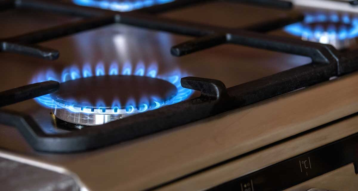 Is Switching Appliances to Natural Gas Worth It In Ontario? (With Pricing Guide)
